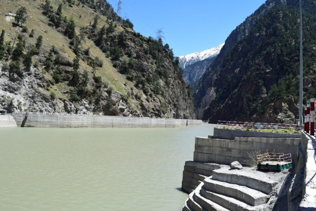 JAYPEE GROUPが進めるプロジェクトで作られた1000MWクラスのダム